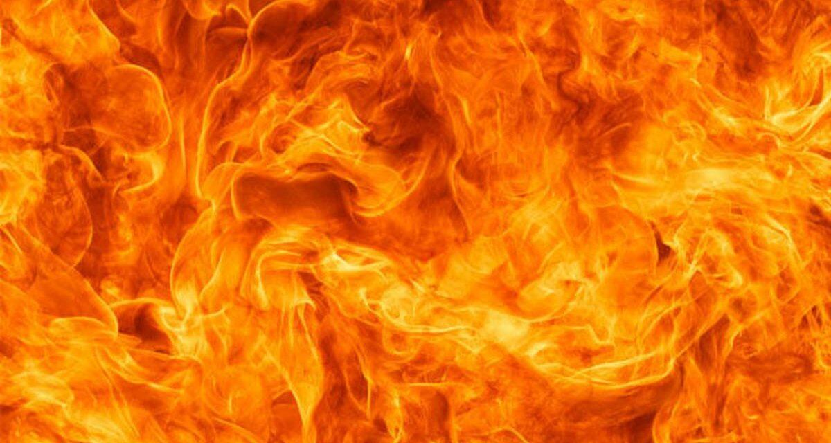 Wildfire roars through California wine country