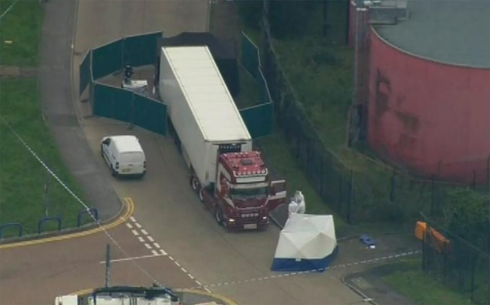 39 dead bodies found in truck near London, 25 year old driver from Northern Ireland under arrest