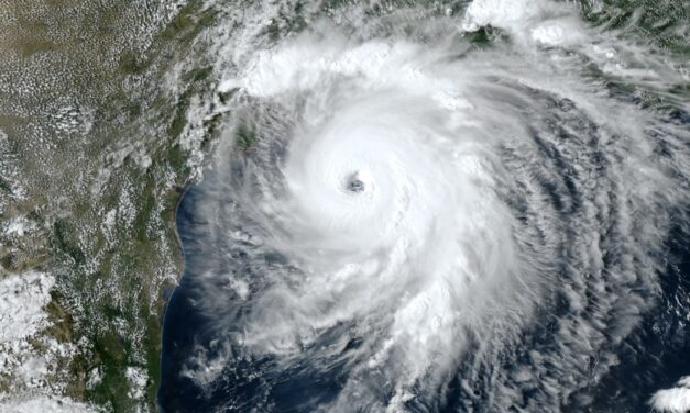 Laura blasts Gulf Coast with wind, rain and wall of seawater